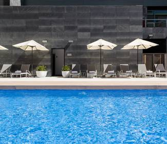Swimmingpool hotel ilunion atrium madrid